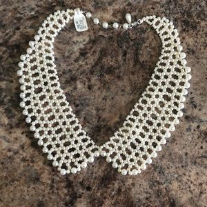 Jewelry - Faux pearl collar necklace NWT